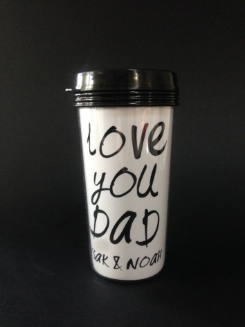 TAKE AWAY CUP - LOVE YOU MOM eller LOVE YOU DAD